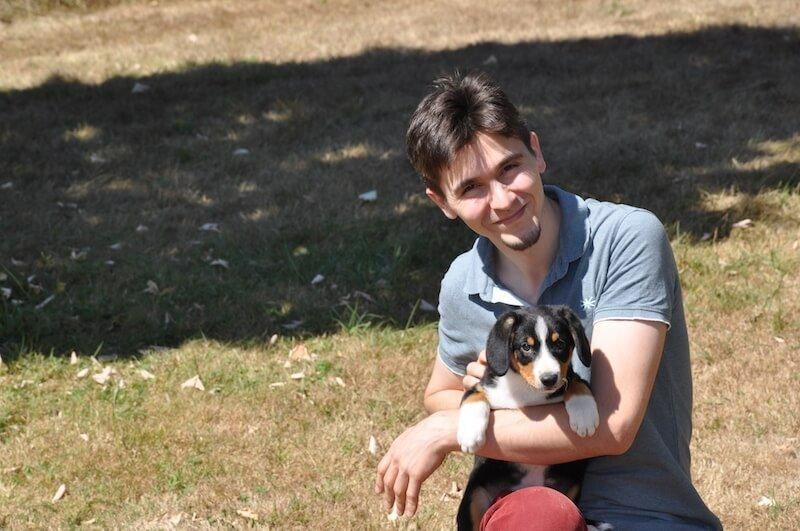 Davy ROS et l'un des Bouviers de l'élevage Joyeuses Gambades